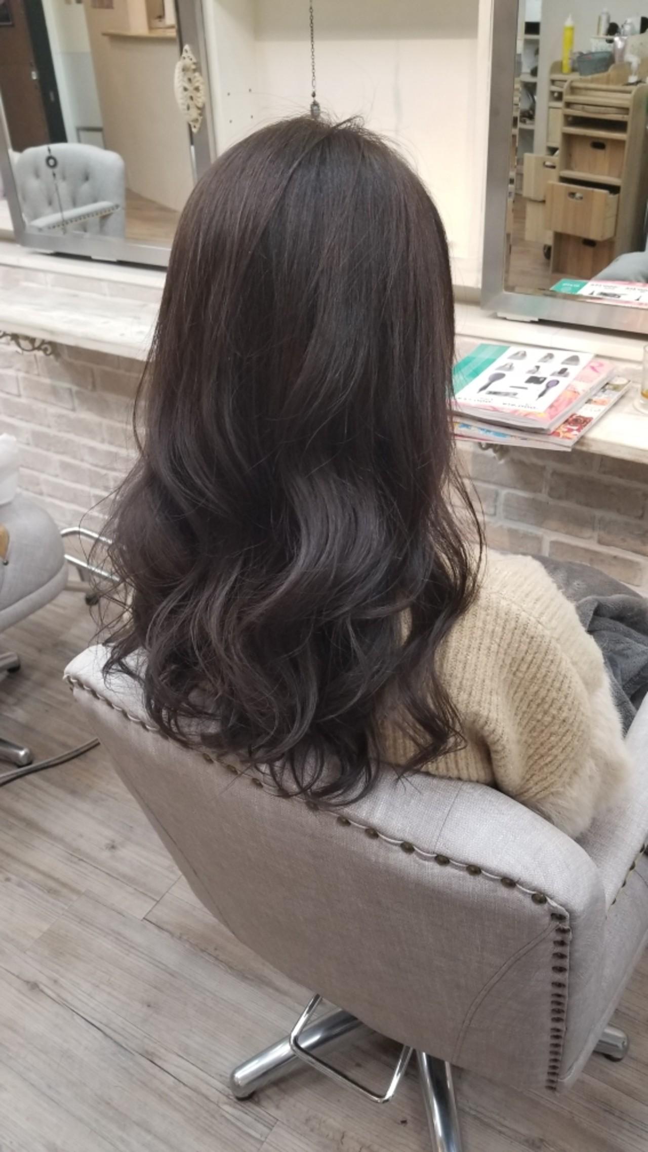 バレンタイン 上品 ゆるふわ ラベンダーアッシュ ヘアスタイルや髪型の写真・画像
