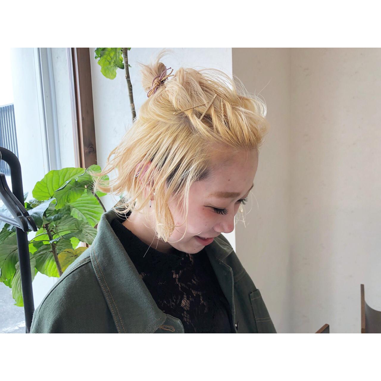 ブリーチカラー 簡単ヘアアレンジ ナチュラル ショート ヘアスタイルや髪型の写真・画像