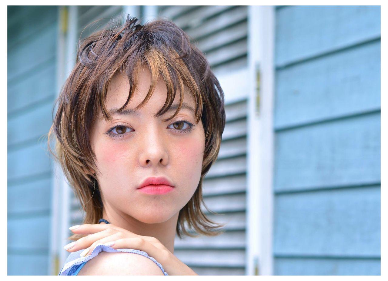 外国人風 外ハネ ウルフカット ナチュラル ヘアスタイルや髪型の写真・画像   植村一弘 / CERISIER7