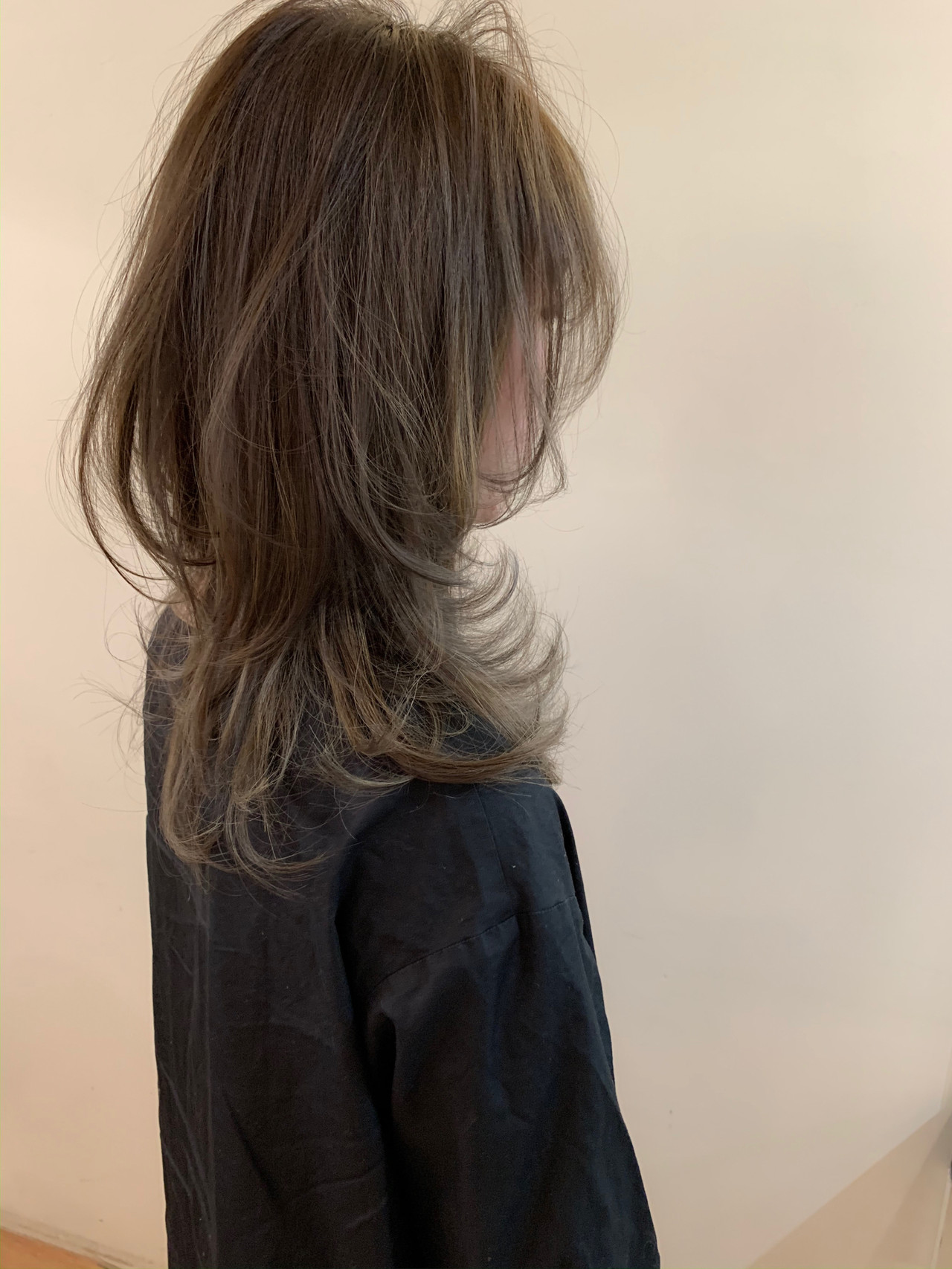 ナチュラル セミロング ウルフカット 外国人風 ヘアスタイルや髪型の写真・画像   yumiko/sapporoSKNOW / SKNOW