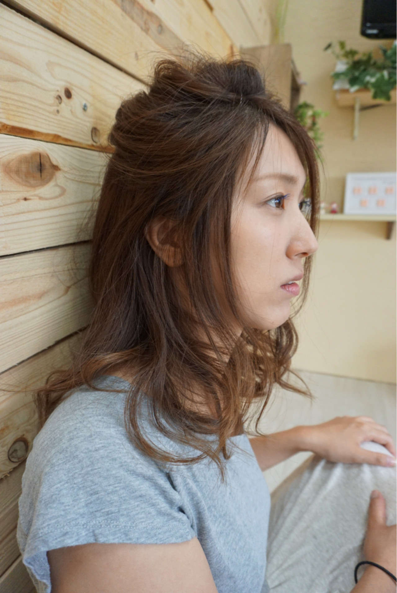 ハーフアップ セミロング ウェーブ ナチュラル ヘアスタイルや髪型の写真・画像   Sakairi Yuna / hair design Select