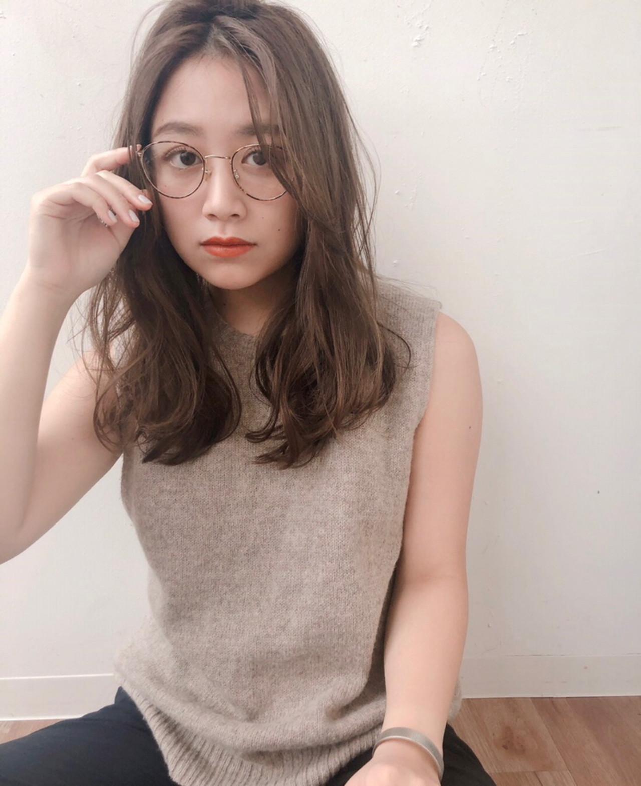 ゆるナチュラル 眼鏡 外国人風フェミニン ナチュラル ヘアスタイルや髪型の写真・画像   natsuki /