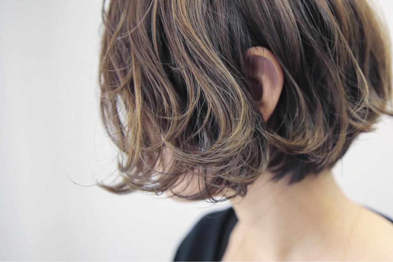 ショートボブ ストリート 色気 大人女子 ヘアスタイルや髪型の写真・画像