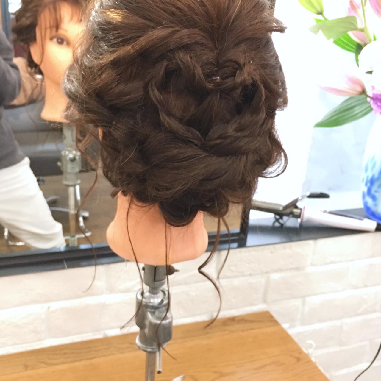 バレンタイン ミディアム ヘアアレンジ ナチュラル ヘアスタイルや髪型の写真・画像 | 上川美幸 / carlm