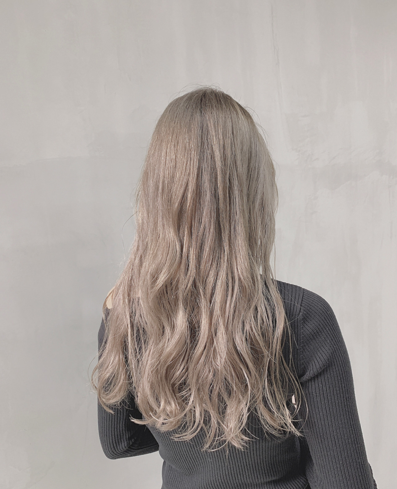 透明感カラー ミルクベージュ ミルクティーベージュ ストリート ヘアスタイルや髪型の写真・画像