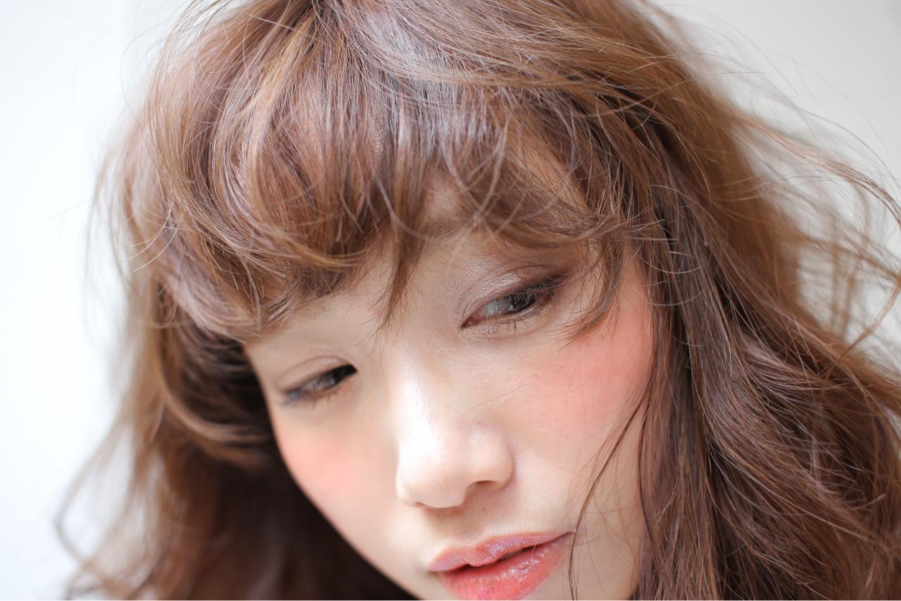 大人女子 ニュアンス 小顔 ミルクティー ヘアスタイルや髪型の写真・画像 | 白井雄喜 / FERIA心斎橋
