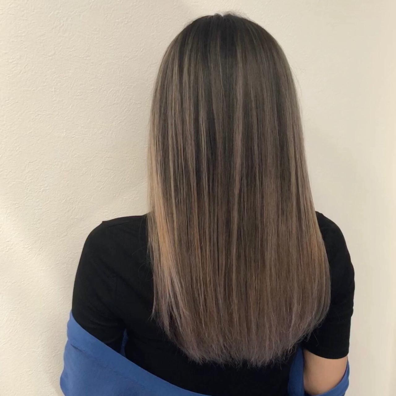 バレイヤージュ 外国人風カラー セミロング アッシュベージュ ヘアスタイルや髪型の写真・画像 | アンドウ ユウ / agu hair edge