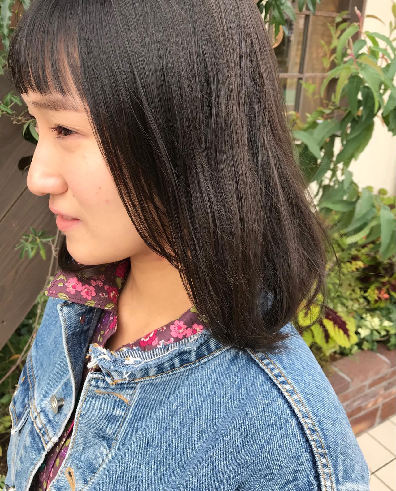 ミディアム ナチュラル デート アンニュイほつれヘア ヘアスタイルや髪型の写真・画像 | Nakamura Mari / rocca