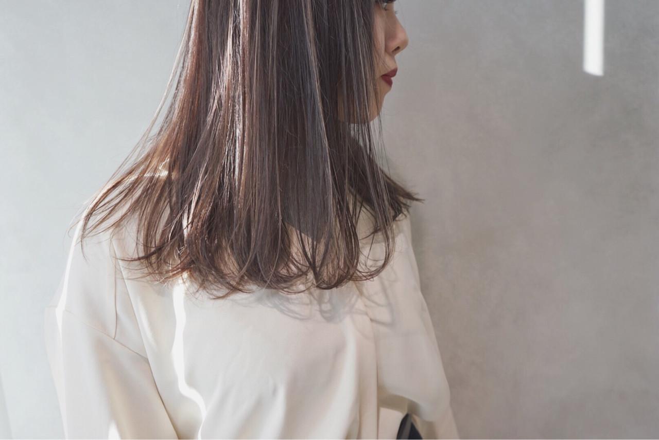グレージュ アッシュ ミルクティー セミロング ヘアスタイルや髪型の写真・画像   Ryu Ito / siki
