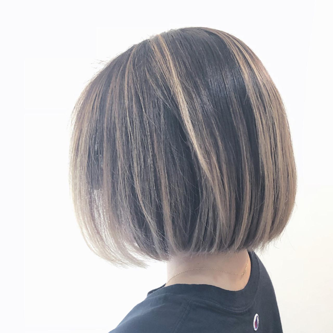 ボブ グレージュ バレイヤージュ グラデーションカラー ヘアスタイルや髪型の写真・画像