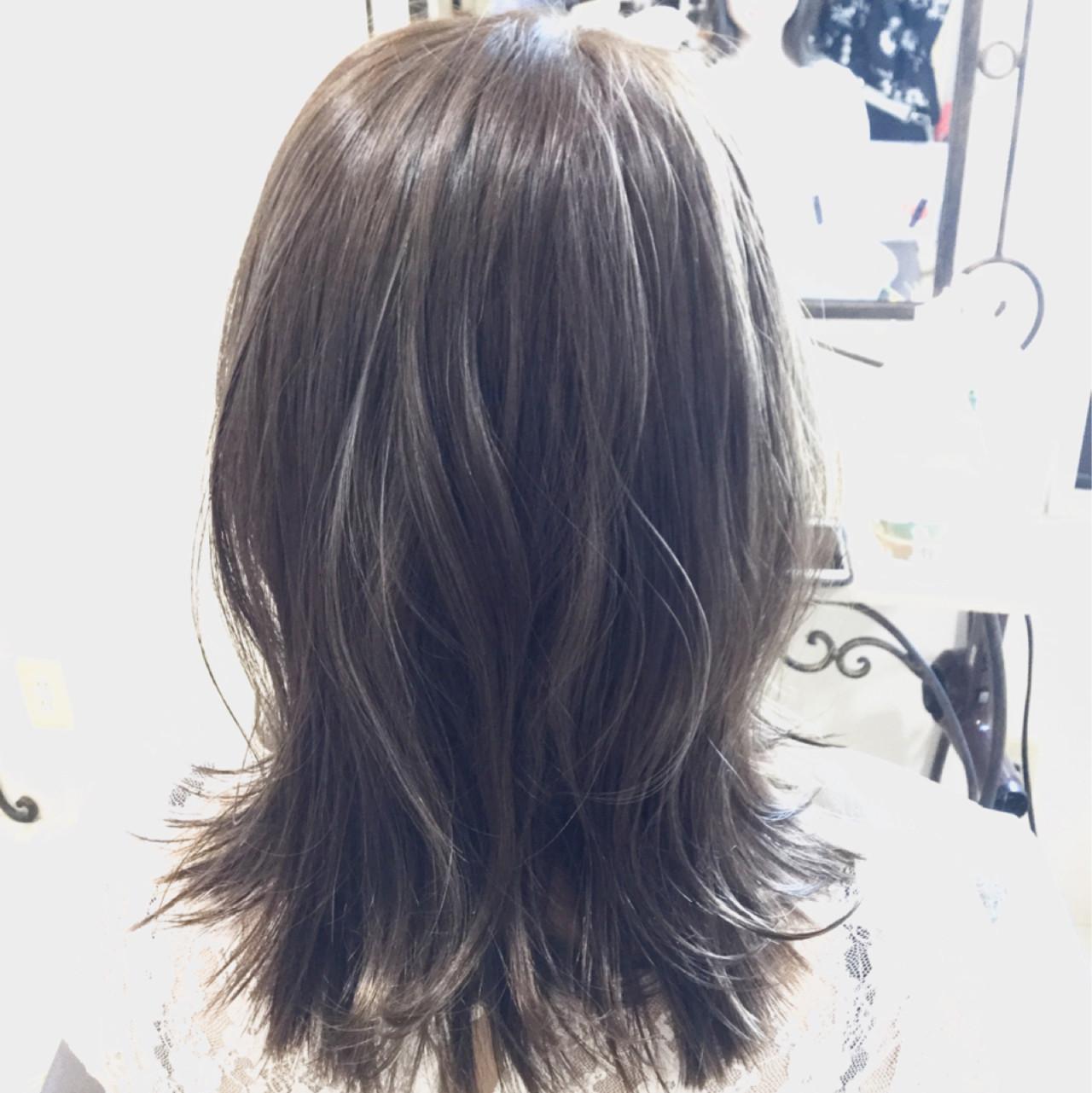 アッシュ ナチュラル ハイライト グレージュ ヘアスタイルや髪型の写真・画像