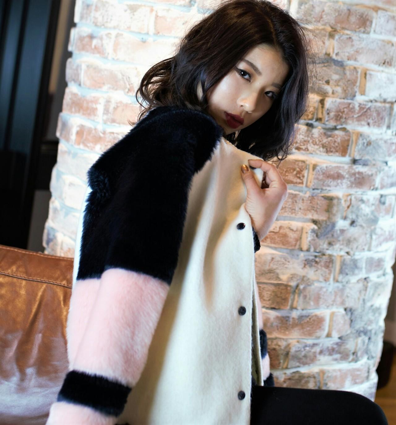 外国人風 ゆるふわ ミディアム 黒髪 ヘアスタイルや髪型の写真・画像 | 千葉健太郎 / soenxclover