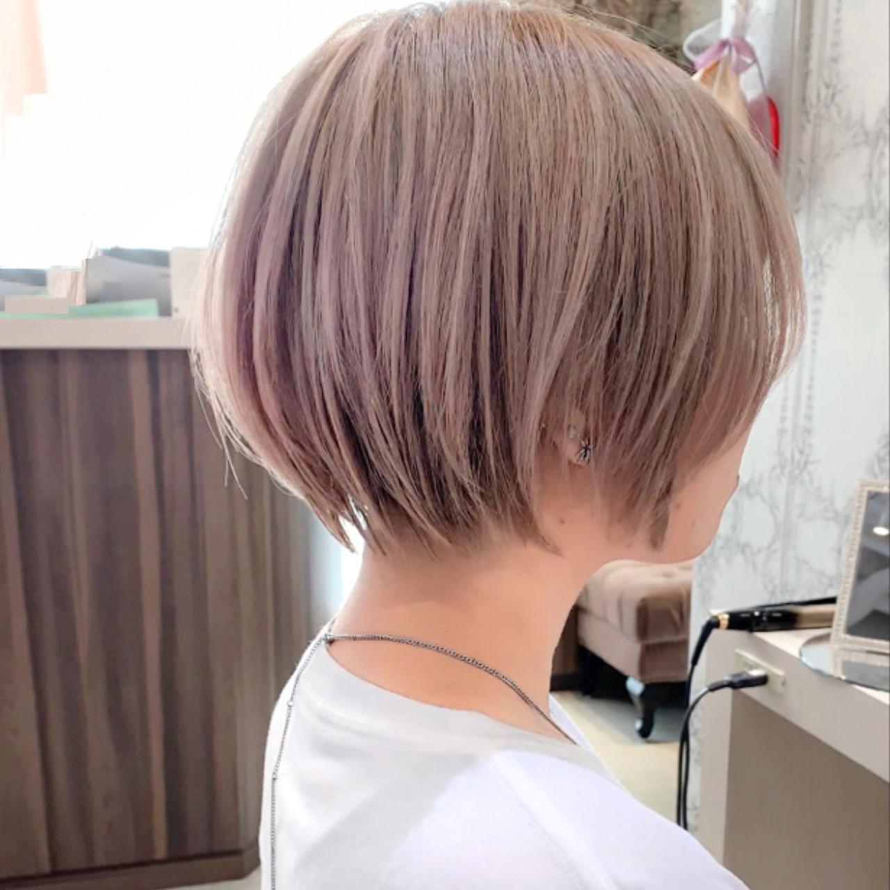 ミルクティーベージュ ショートヘア ナチュラル ショートボブ ヘアスタイルや髪型の写真・画像