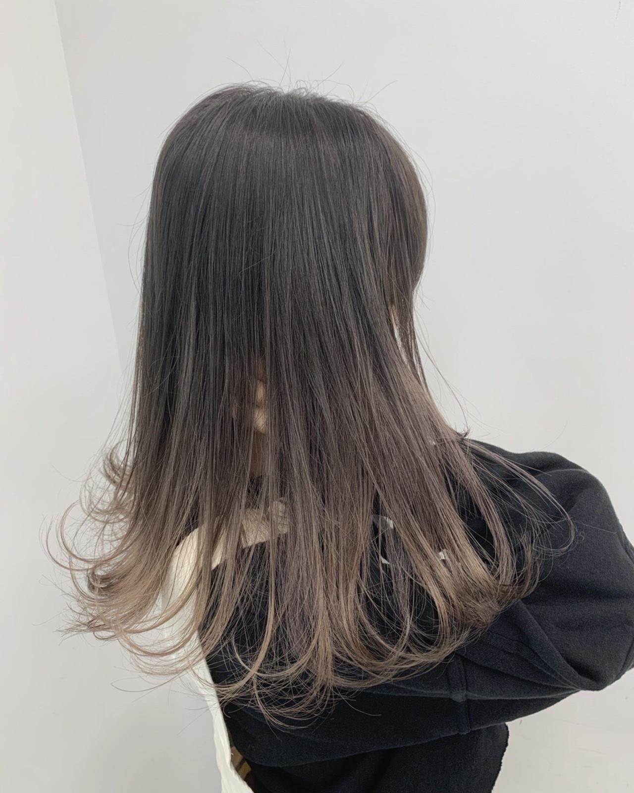アッシュグレージュ ナチュラル ロング モテ髪 ヘアスタイルや髪型の写真・画像 | ALIVE【阿部 圭悟】 / ALIVE