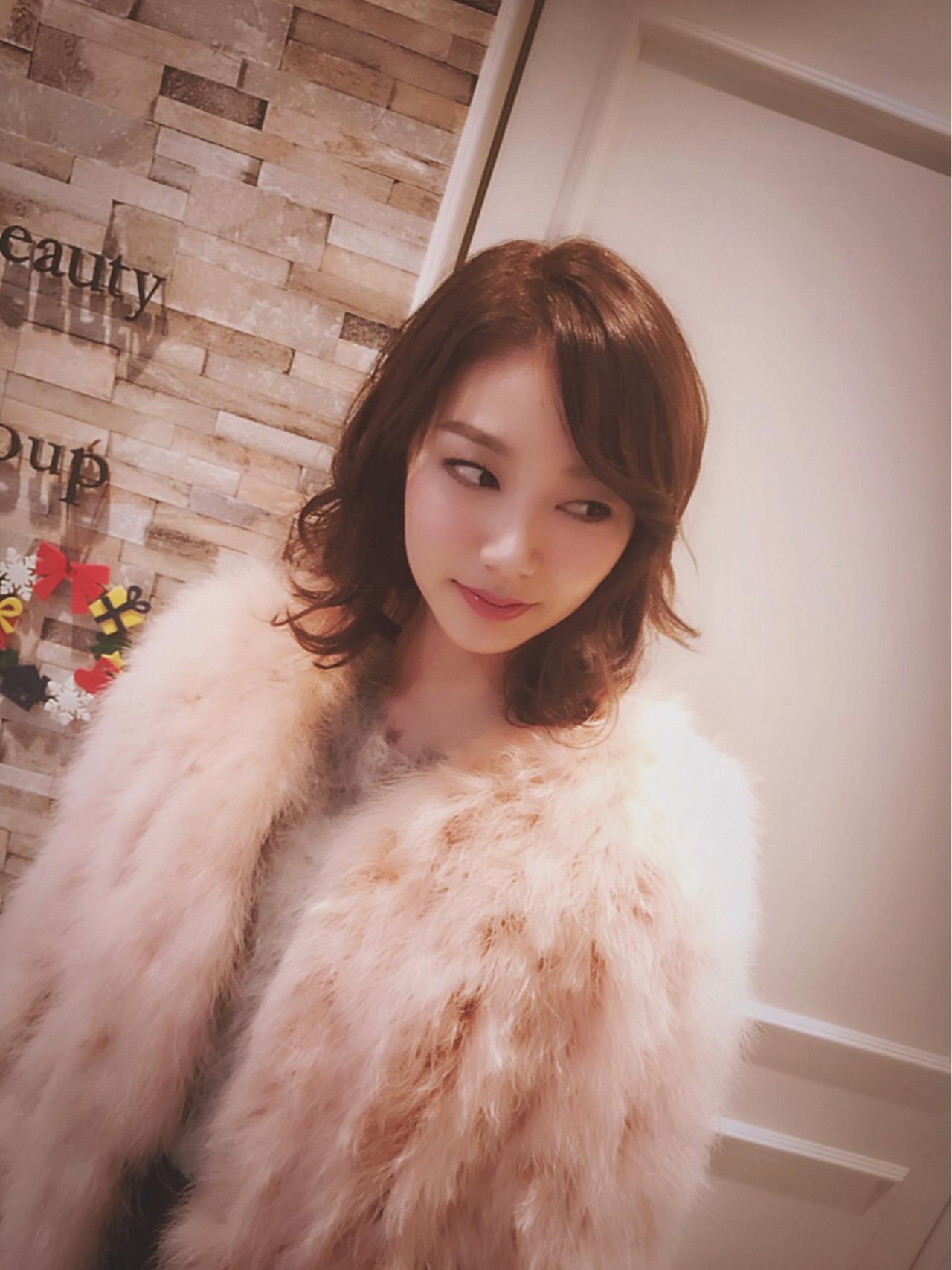 パーティ デート 外ハネ フェミニン ヘアスタイルや髪型の写真・画像 | 田室 玲子 / J group