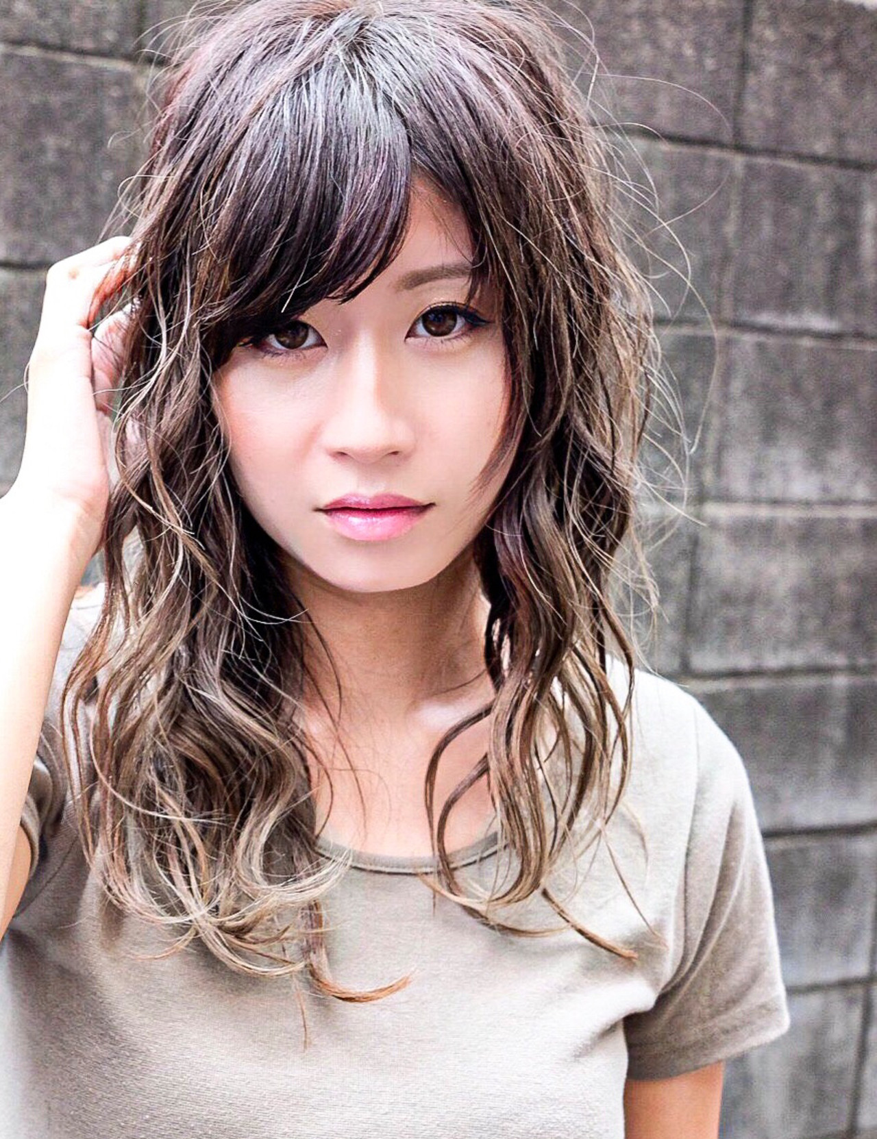 ストリート ホワイトグラデーション 3Dハイライト バレイヤージュ ヘアスタイルや髪型の写真・画像 | マキシヤスアキ / KURAKU
