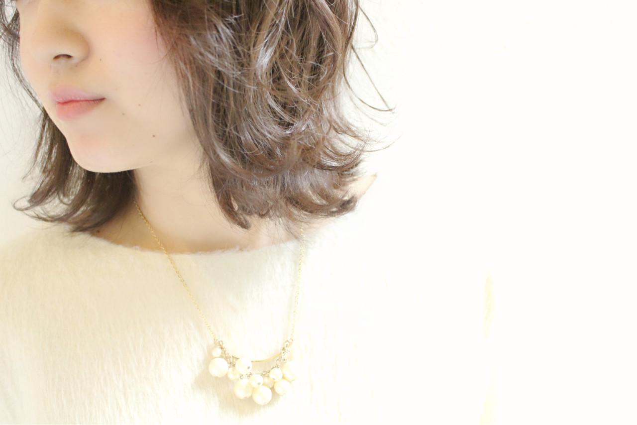 ボブ パーマ 外ハネ ナチュラル ヘアスタイルや髪型の写真・画像 | 浅川 悠平 / calmLY HAIR