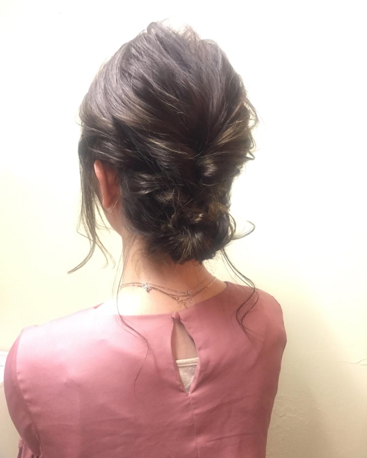 簡単ヘアアレンジ オフィス 結婚式 ナチュラル ヘアスタイルや髪型の写真・画像