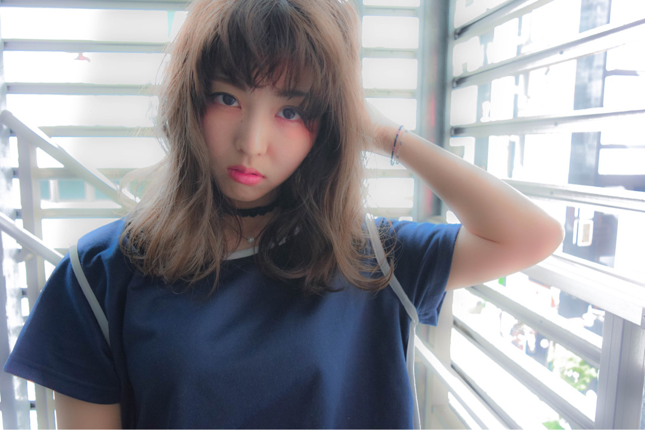 ミディアム ワイドバング ゆるふわ 外国人風 ヘアスタイルや髪型の写真・画像