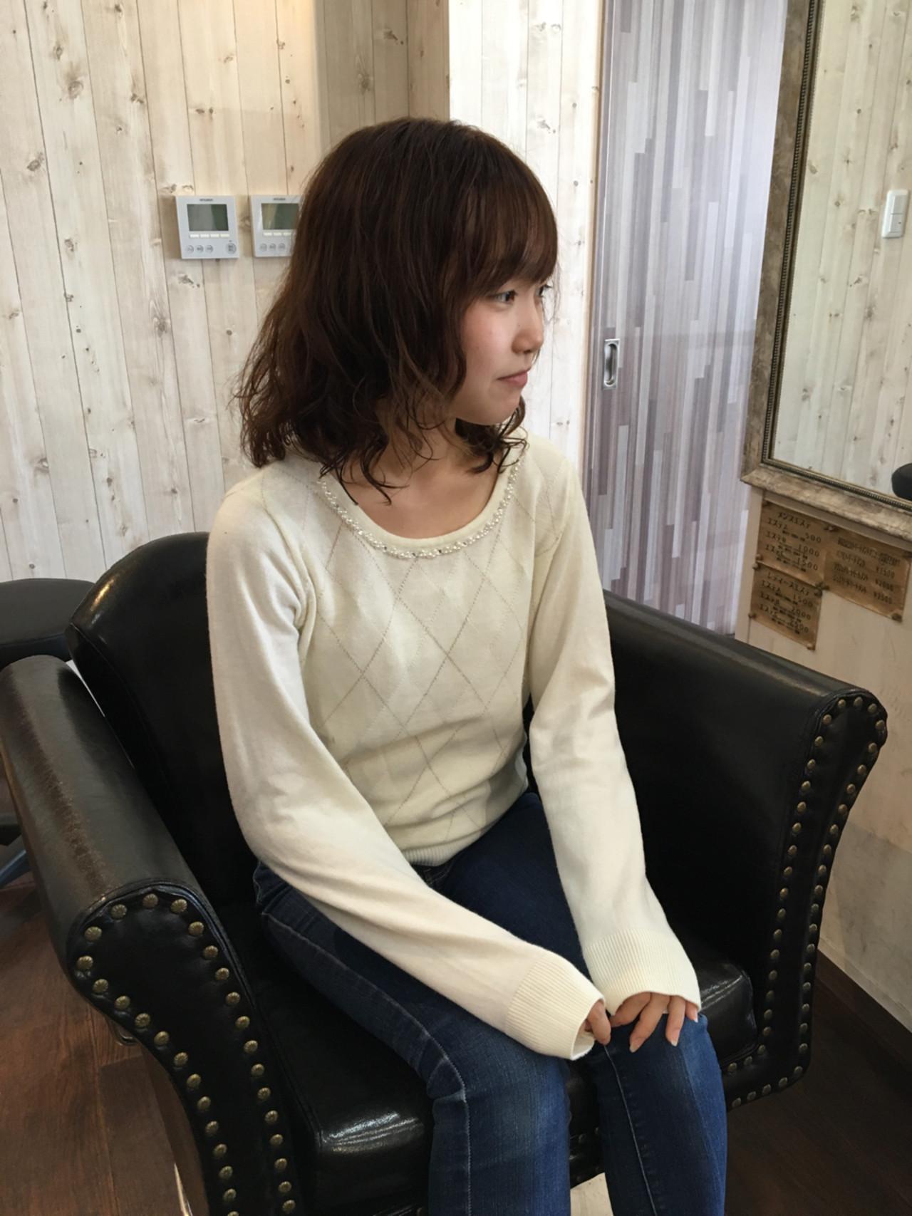 アウトドア 簡単ヘアアレンジ ミディアム フェミニン ヘアスタイルや髪型の写真・画像 | Toshiaki Nakamura / Free art