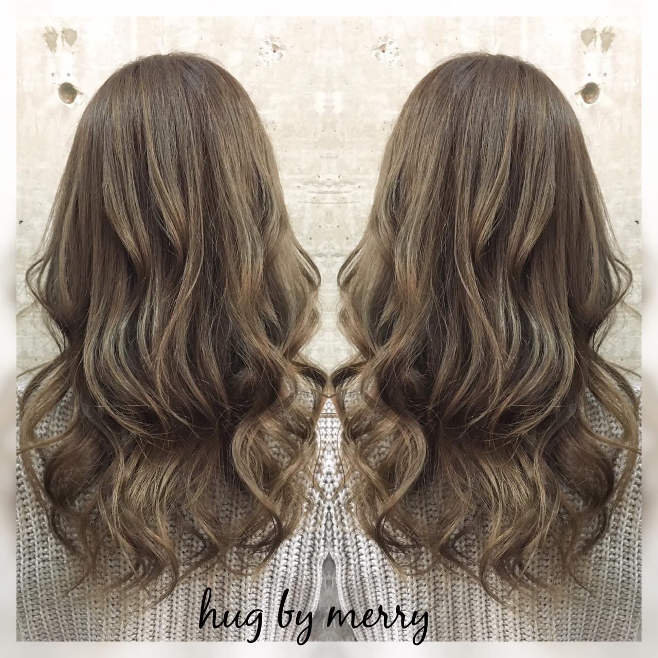 アッシュ セミロング ガーリー ゆるふわ ヘアスタイルや髪型の写真・画像
