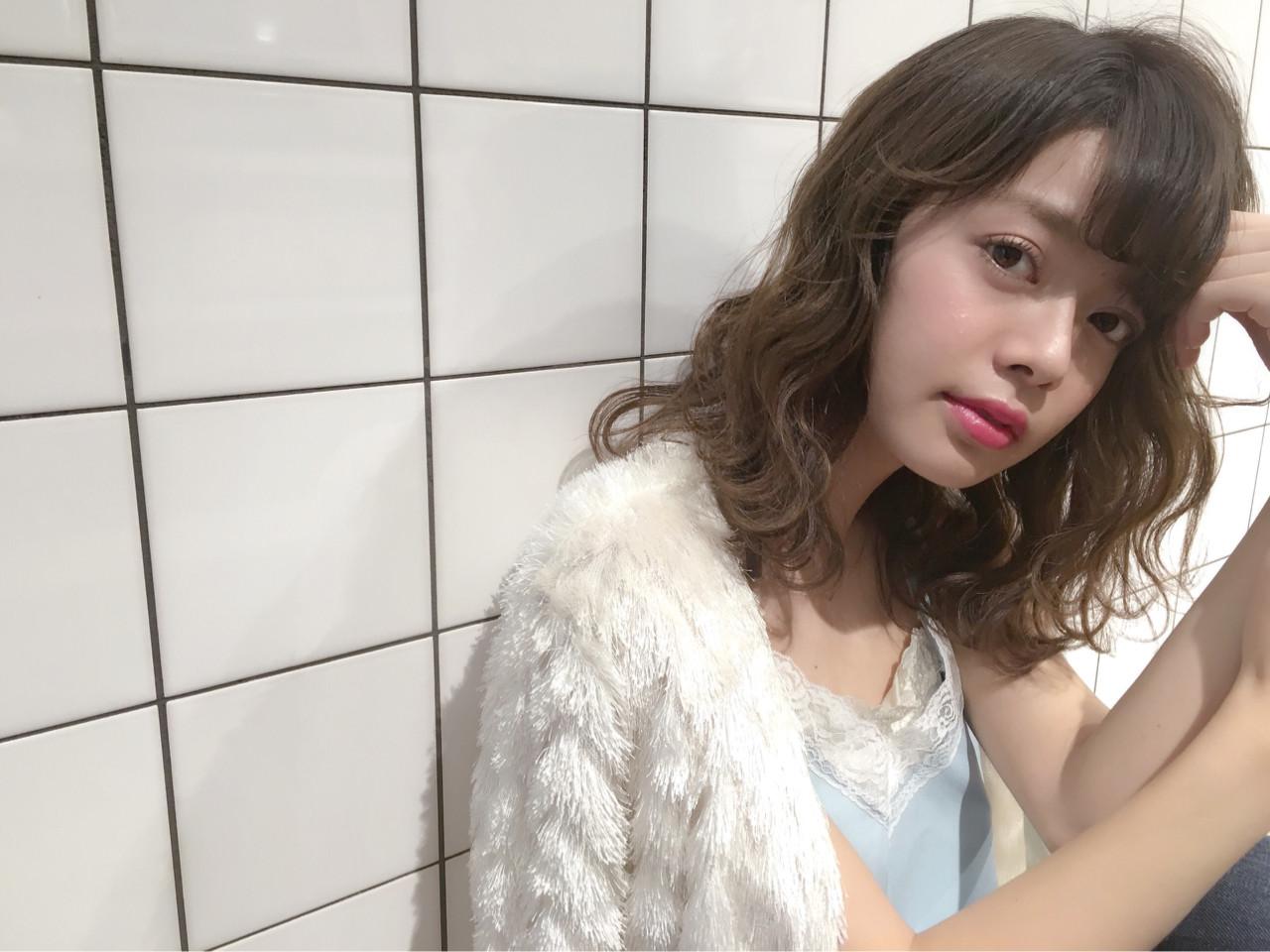 パーマ ミディアム ゆるふわ 外国人風 ヘアスタイルや髪型の写真・画像