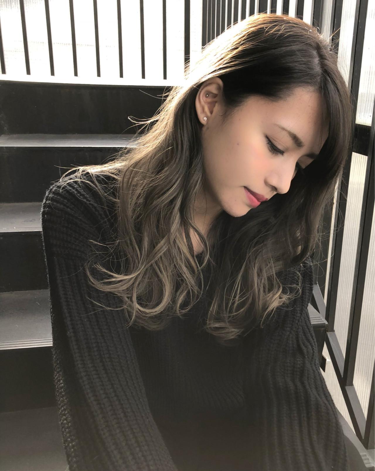 外国人風 インナーカラー ハイライト 暗髪 ヘアスタイルや髪型の写真・画像 | 仲澤 武 tornado / tornado  トルネード