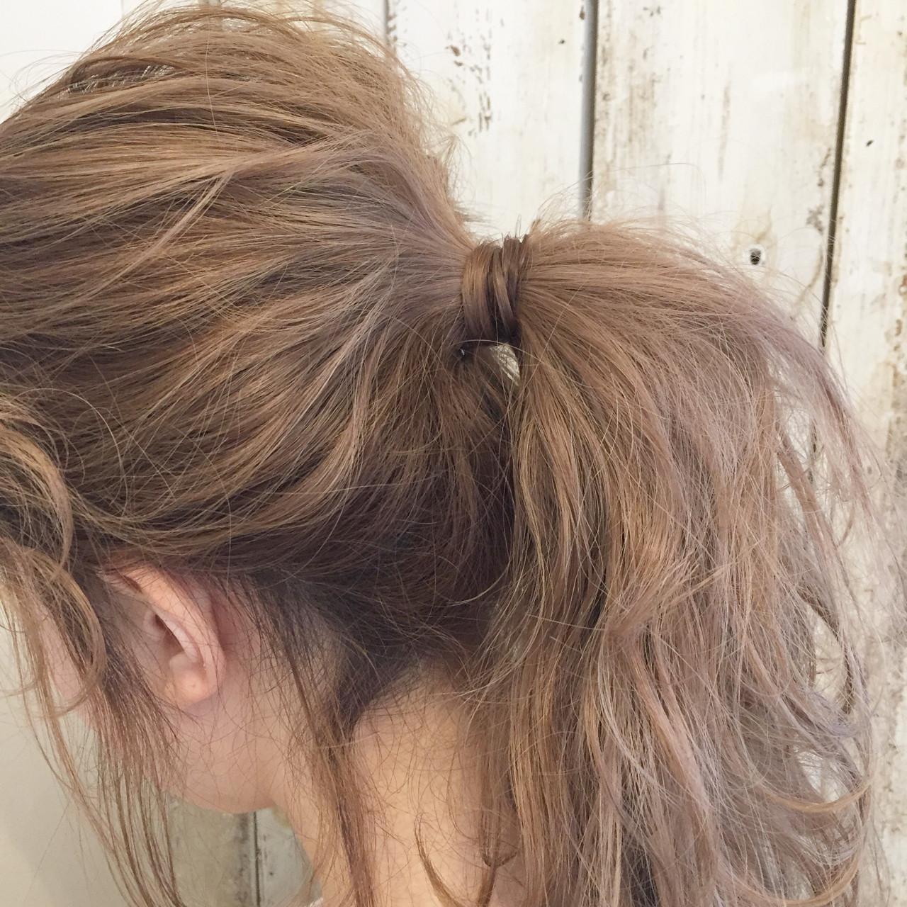 ヘアアレンジ セミロング アッシュ ミルクティー ヘアスタイルや髪型の写真・画像