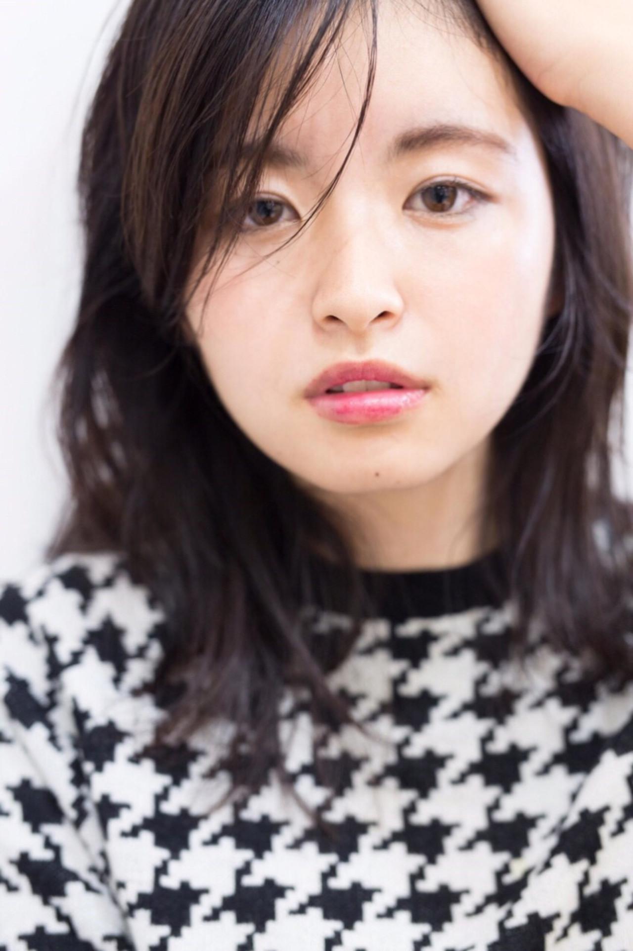 前髪あり ナチュラル セミロング 暗髪 ヘアスタイルや髪型の写真・画像   Reina /