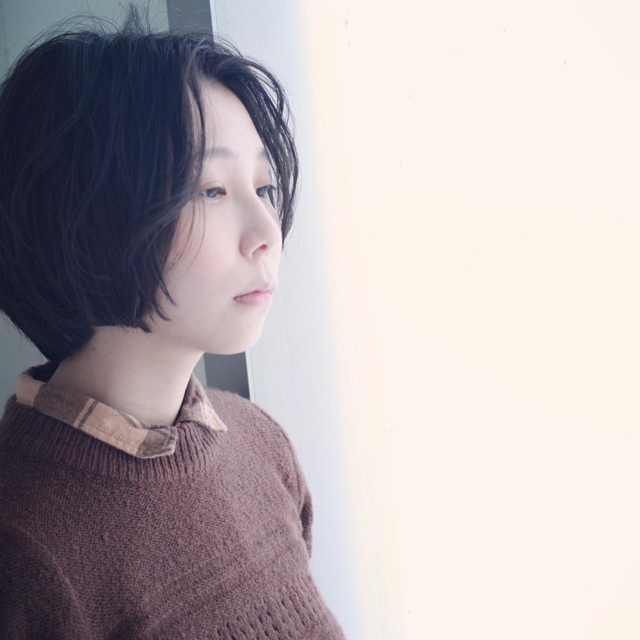 センターパート 黒髪 ボブ アンニュイ ヘアスタイルや髪型の写真・画像   コバヤシ アキラ / UNI