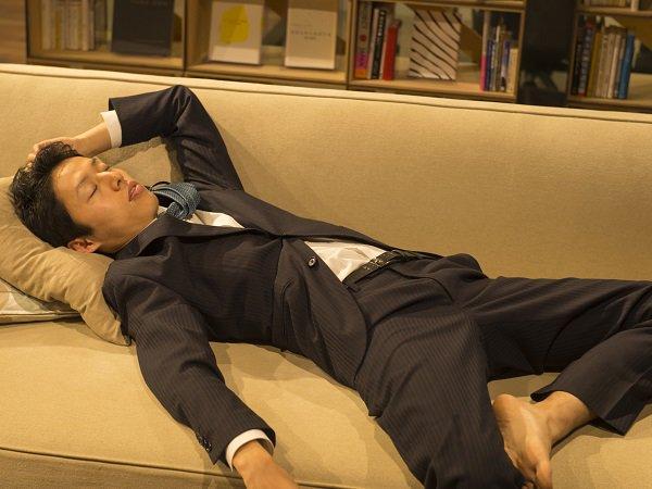 医師がやっている二日酔い対策 「水分を摂取する」がダントツ - ライブドアニュース