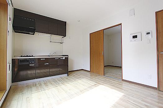 「賃貸ガレージハウス」経営オーナー事例|アパートよりも建築費用を抑えて成功2