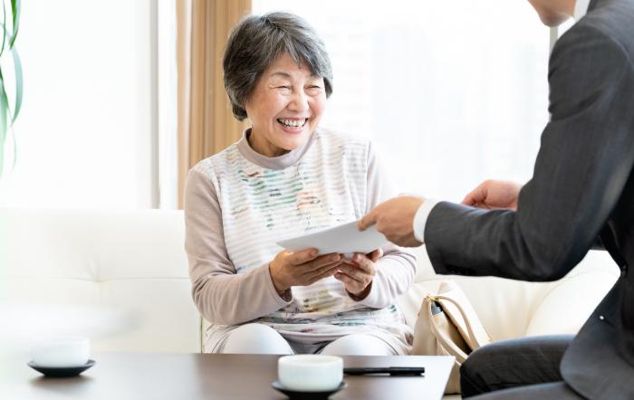 高齢入居者の事故や孤独死対策は大丈夫?高齢者見守り・安否確認サービスとは|あんしんサポート2