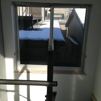 階段越しに採光※写真は前回募集時のものです