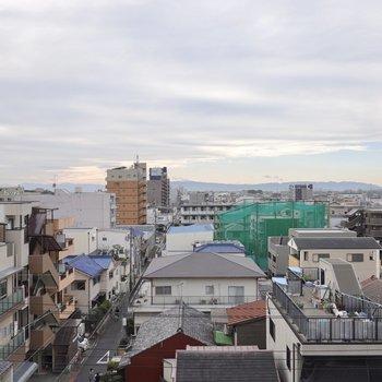 6階からの眺めは爽快。名古屋駅西側エリアが一望できます!