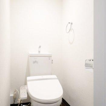 さらに、トイレは嬉しいウォシュレット付き!