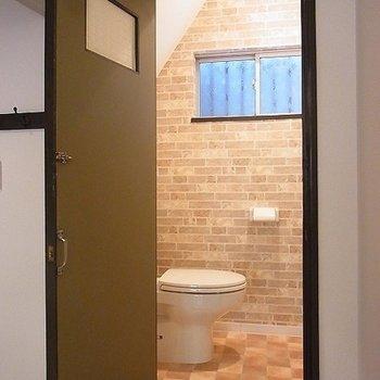 トイレは一階のみ