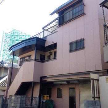 2階と3階部分が居住スペースになります。