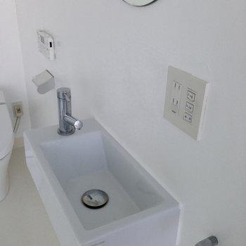 洗面台 ※写真は別部屋です