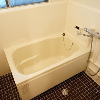 お風呂もゆったりした空間!