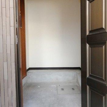 広めに取られた玄関土間。