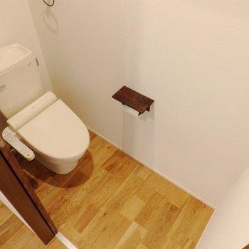 トイレもナチュラルな雰囲気で。