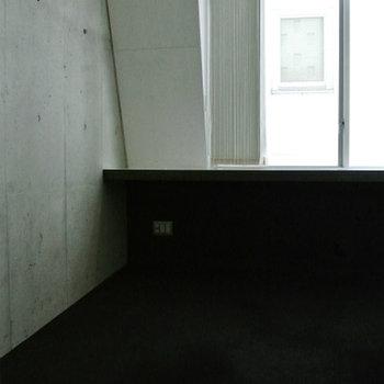 奥の部屋はコンクリ壁※写真は前回掲載時のものです。
