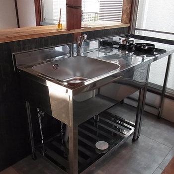 ステンレスのキッチン