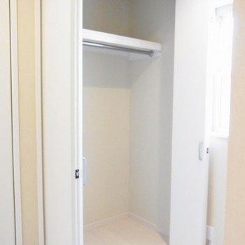2階部分に広めの収納あり※写真は別部屋です