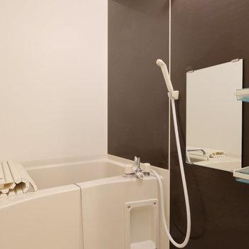 お風呂もリノベーション時に交換していてとても綺麗です!
