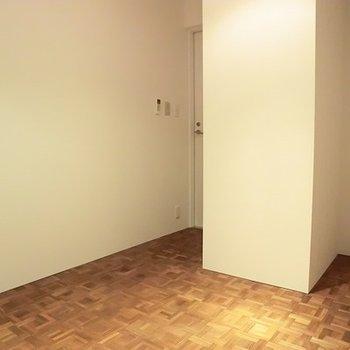 無垢床がやさしい、お部屋です。※写真は別部屋