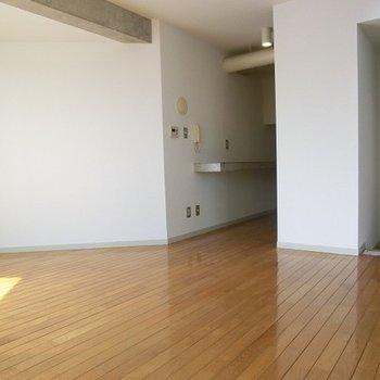居室はゆったり13帖!※写真は前回募集時のものです