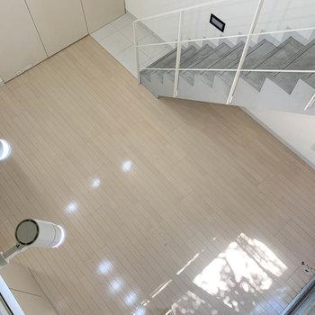 ロフトから見たお部屋です。天井の高さ◎