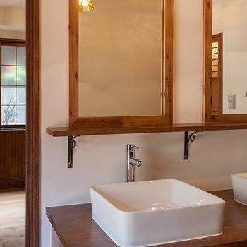 ここで、住人さんと仲良く顔を洗う。